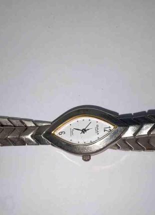 Наручные часы Б/У Omax JYL592