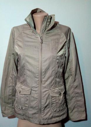 Классная, качественная куртка-ветровка. charles vogele.