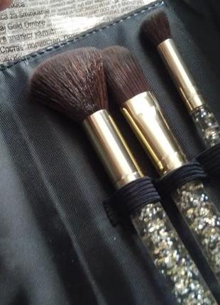 Avon, набор кисточек для макияжа,3шт в кошелечке на кнопке