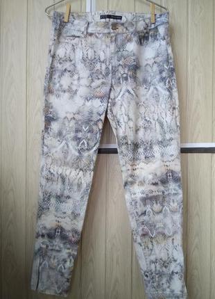 Стильные прямые брюки mom джинсы со змеиным принтом коттон мом...