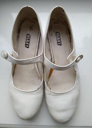 Белые лаковые туфли обувь для танцев