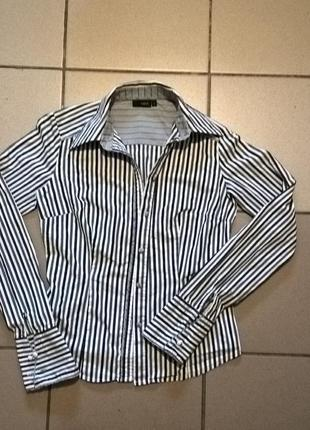 Женская рубашка на запонках.