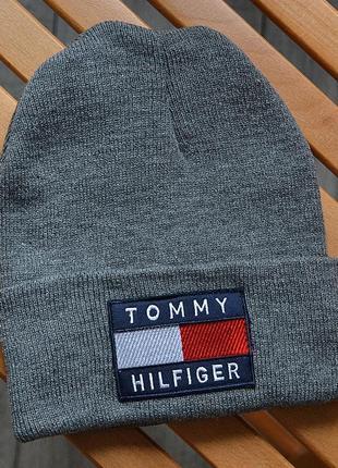 Женская зимняя шапка tommy hilfiger big logo серая акриловая