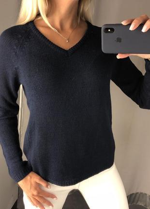 Красивый вязаный свитер с вырезом. amisu. размеры уточняйте.