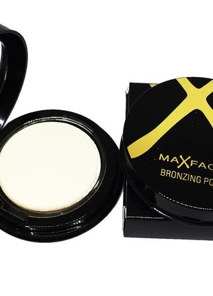 Пудра компактная для лица Max Factor Bronzing Powder 02