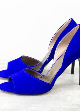 Легкие и удобные летние туфли на шпильке с открытым носиком из...