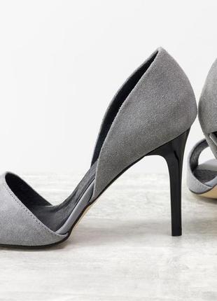 Летние туфли с открытым носиком из натуральной замши