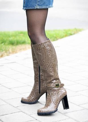 Сапоги каблук