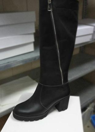 Сапоги на каблуке
