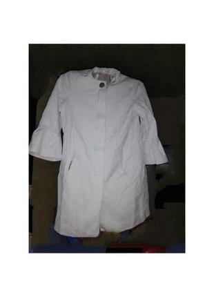 Пальто белое летнее хлопковое.