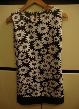 Платье в ромашки, черно-белый принт