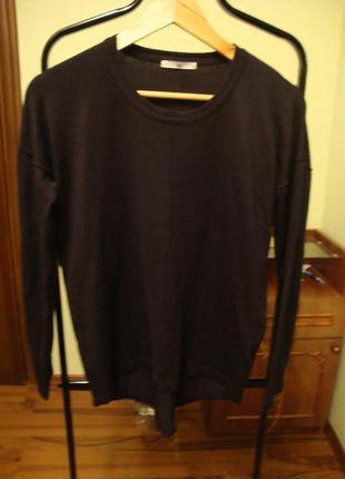 Черный модненький свитер tu