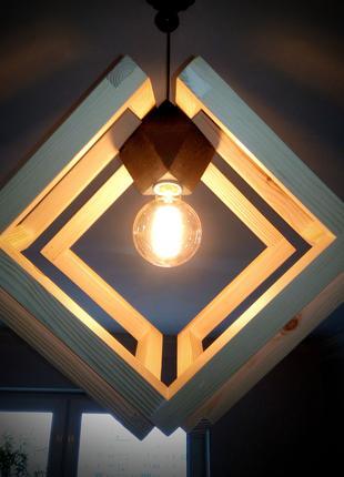Светильник Эксцентричный куб Деревянный