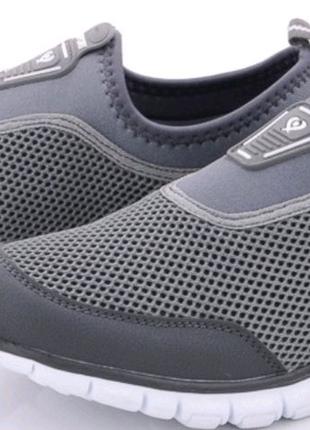 Мужские кроссовки без шнурка