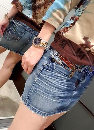 Джинсовая юбка синяя модна рваная оригинальная 42 s