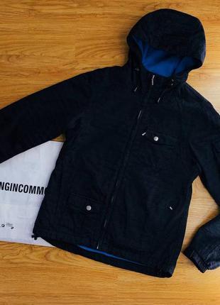 Женская спортивная тактическая куртка с капюшоном