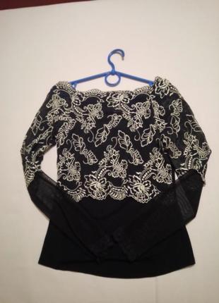 Нарядная ажурная блуза