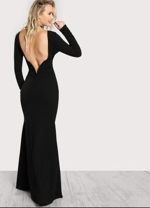 Черное платье-макси с вырезом на спине