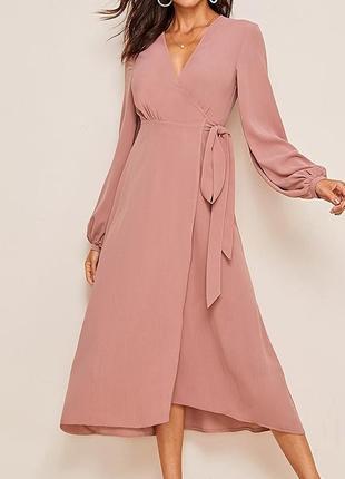 Нюдовое, пастельное платье на запах