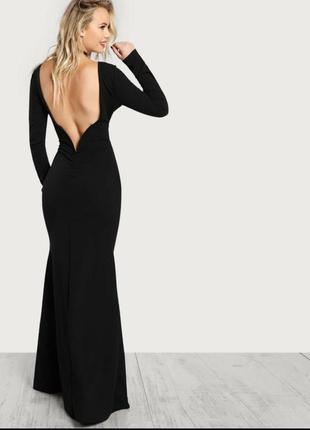 Сексуальное платье с открытой спиной
