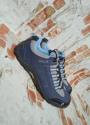 Продам кроссовки gelert