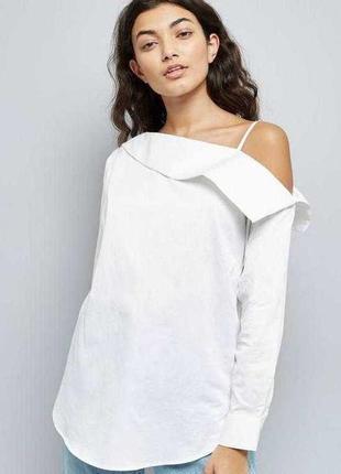 Блузка белая с приспущенным плечом размер 10 new look