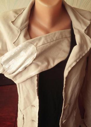 Трендовый итальянский пиджак с пайетками motivi