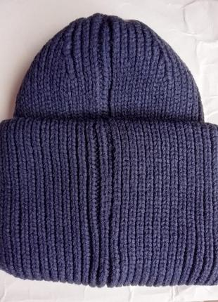 Очень красивая и модная шапка