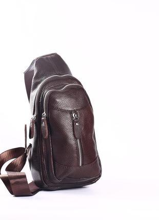 Кожаная мужская сумка-слинг коричневая
