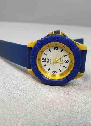 Наручные часы Б/У Часы Q&Q; 10 Bar