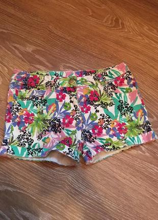 Отличные короткие коттоновые шорты в яркий принт