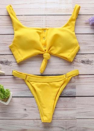 Новый ярко-желтый купальник с кнопками и завязкой на лифе