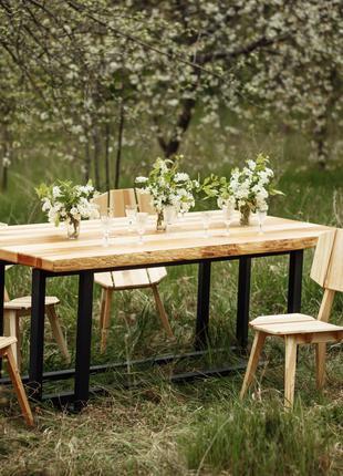 Стол обеденный деревянный в гостиную