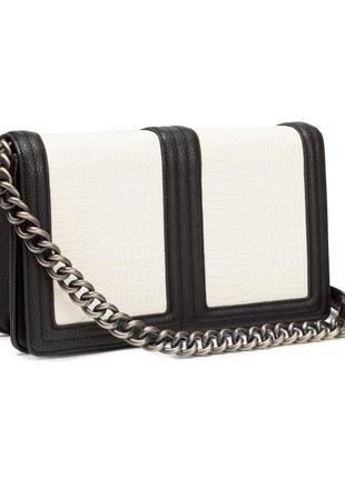 Сумка на цепочке h&m в стиле chanel  шанель черно-белая