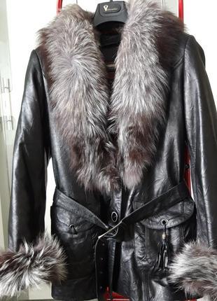 Куртка кожа с мехом чернобурки р.46-48