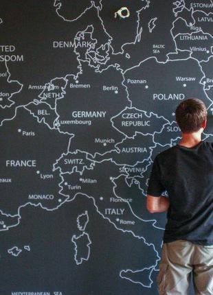 Роспись интерьера, нарисованная карта Европы.