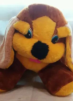 Мягкая игрушка собака.