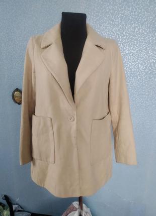 Базовое пальто zara прямого кроя трапеция с накладными кармана...