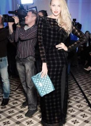 Андре тан. шикарное шёлковое вечернее платье с полуоткрытой сп...