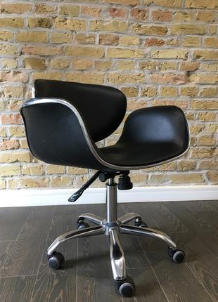 Офісне крісло