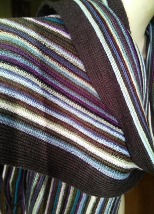 Приятный универсальный шарф в полоску унисекс