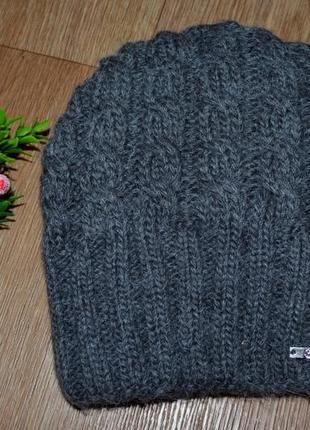 Женская вязанная шапка - зима
