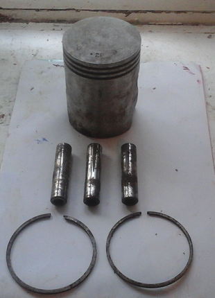 Цилиндр новый 2 ремон. 3 пальца и 2 кольца. Шестерни и подшипники