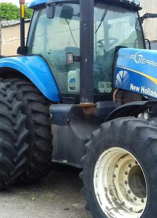 Трактор New Holland Т8040