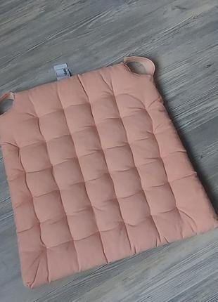 Мягкие подушки на стулья tukan