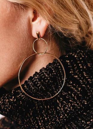 Стильные длинные серьги круглые кольца золотые золотистые купи...