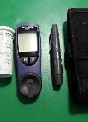 Глюкометры и анализаторы крови Б/У Accu-Chek Active