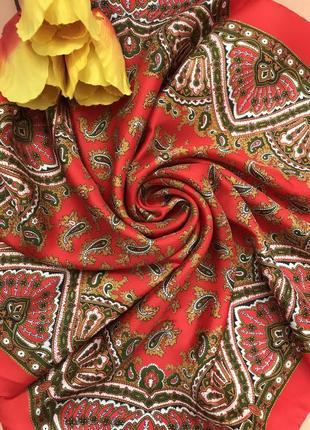 Ярко- красный ♥️♥️♥️ 💯шелковый платок, италия, 77х76.