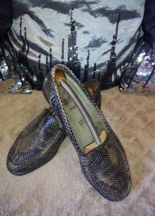 Мокасины ara, кожаные туфли под змеиную кожу.
