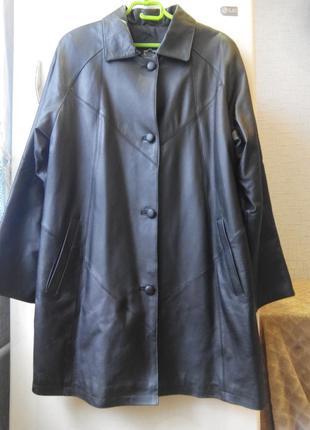 Женское кожаное  пальто полупальто